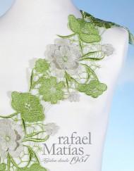 Pasamanería de flores verde y beige