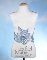 Cenefa guipour azul con flores