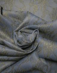 Tela muflón azul con encaje negro.