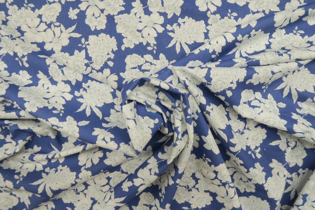 Tela popelín estampado floral fondo azul