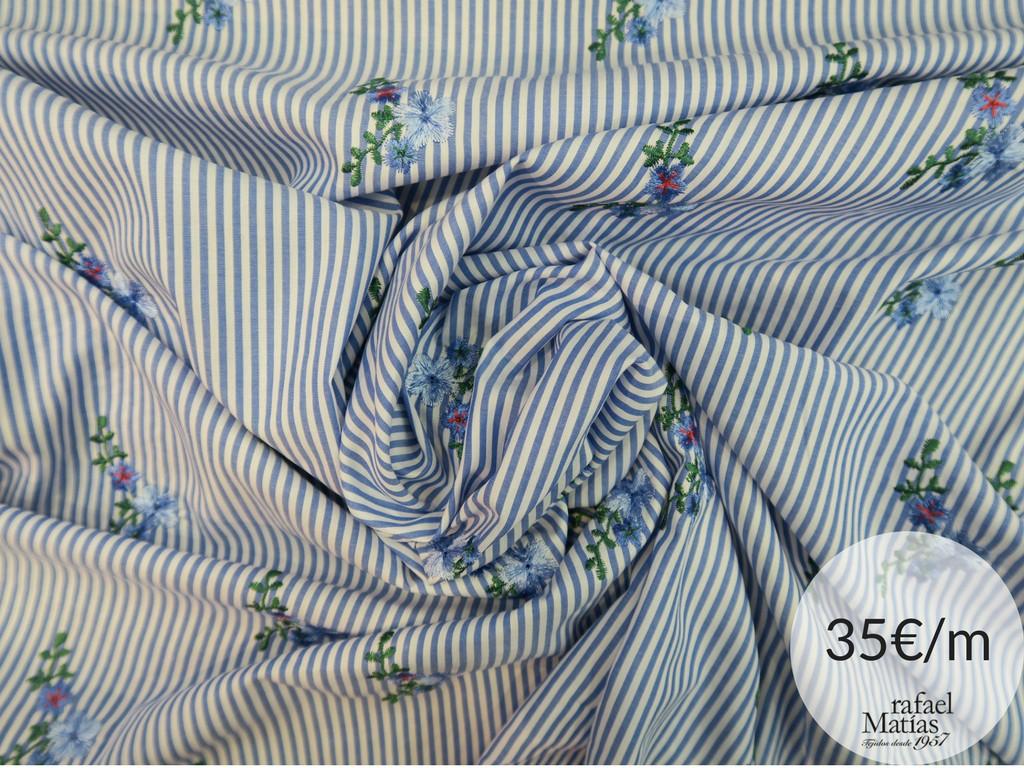 Ref 677.718 Popelín raya flores bordadas azules Tendencia estampados