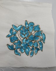 Complemento bordado azul