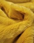 pelo amarillo